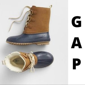 GAP Metallic Lace-up Cozy Duck Boots